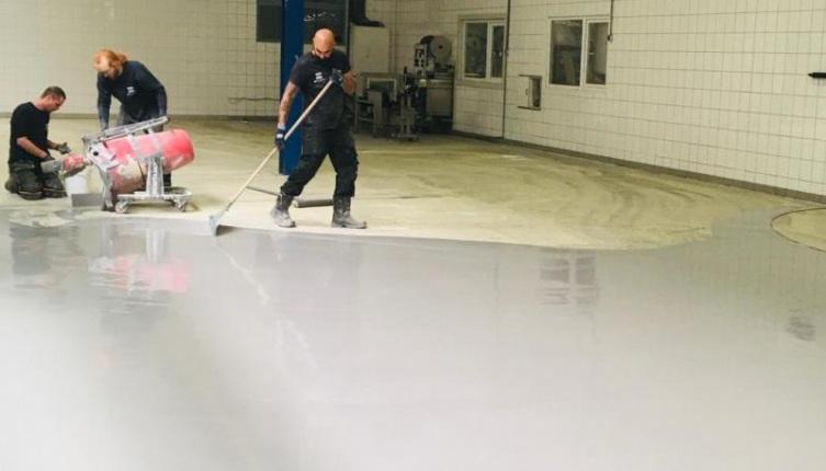Maatwerk renovatie vloer zuivelindustrie