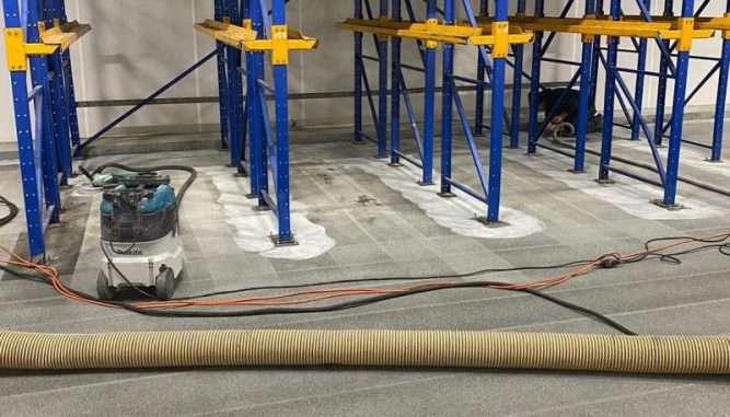 Resultaat na stofarm stralen renovatievloer