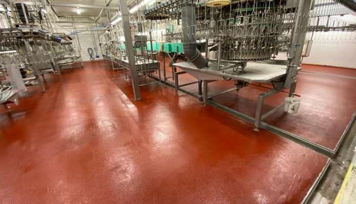 Rode ucrete vloer opgeleverd bij vloerrenovatie