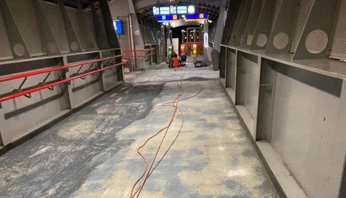 Epoxy vloer op Station Amersfoort verwijderd