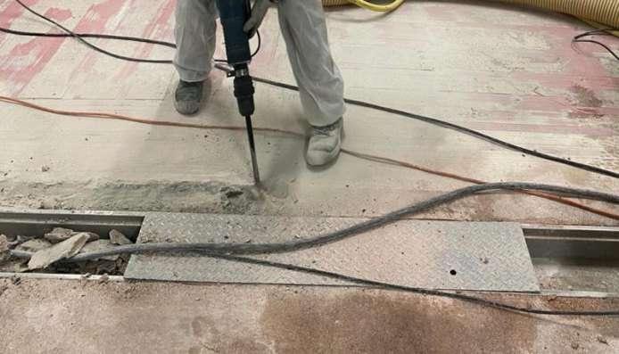 Vloerrenovatie: verwijderen ondergrond