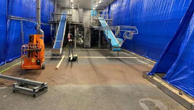 Situatie voor renovatie vloer groenteverwerking